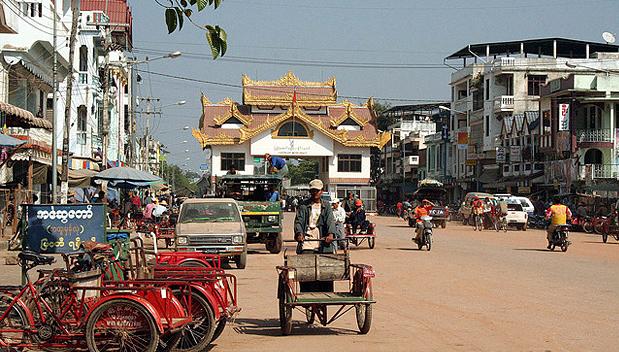 Grensovergang Myawaddy - Mae Sot